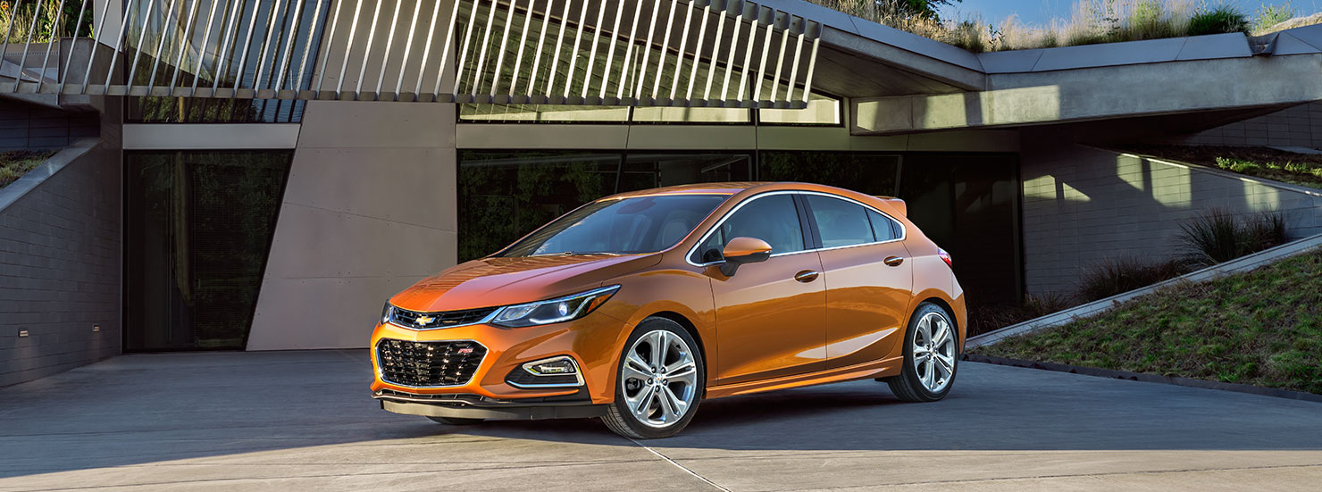 2017 chevrolet cruze compact car mo intro 1480x551 05 v2